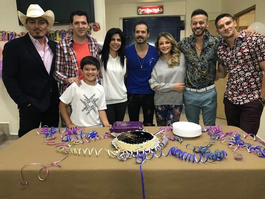José Manuel Figueroa, José Manuel Lechuga, Pato de la Garza, África Zavala, José Ron, Gema Garoa, Alfredo Gatica y Francisco Pizaña.