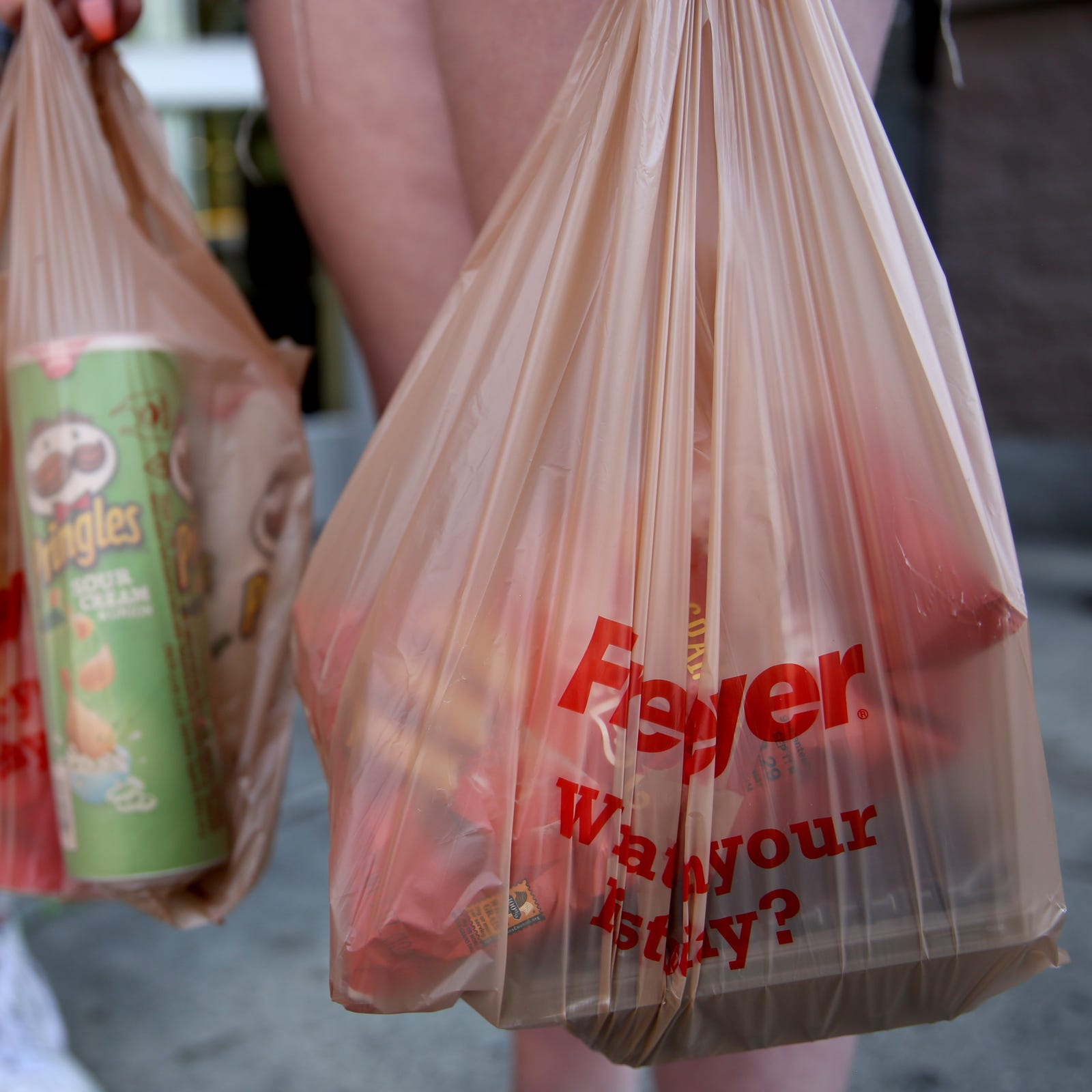 Tennessee Gov. Bill Lee to sign bill to stop local plastic bag bans