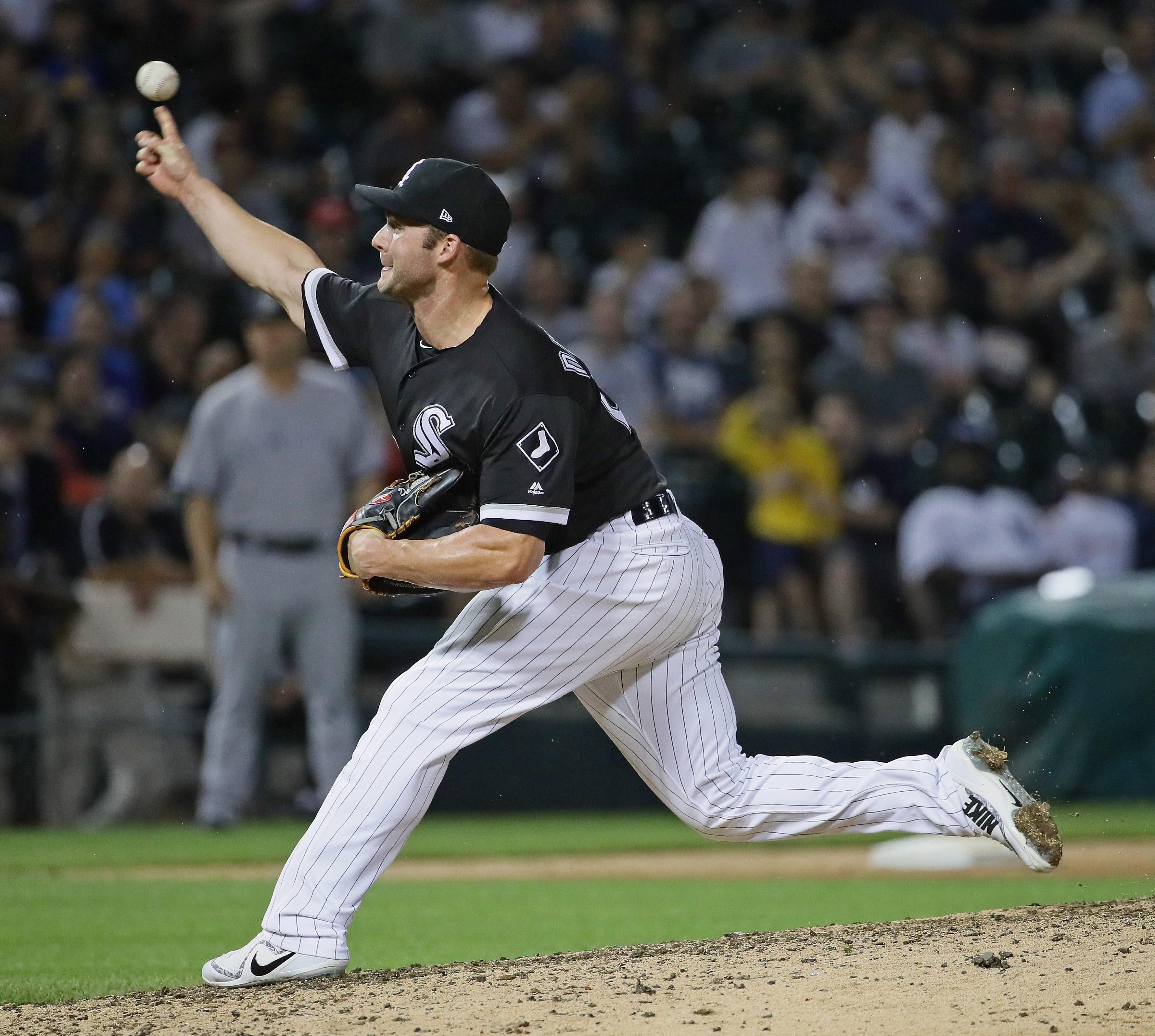 White Sox infielder Matt Davidson joins Babe Ruth with rare pitching, hitting feats