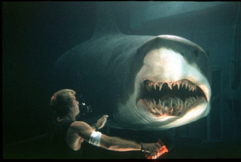 """Thomas Jane takes on one really smart shark in """"Deep Blue Sea."""""""