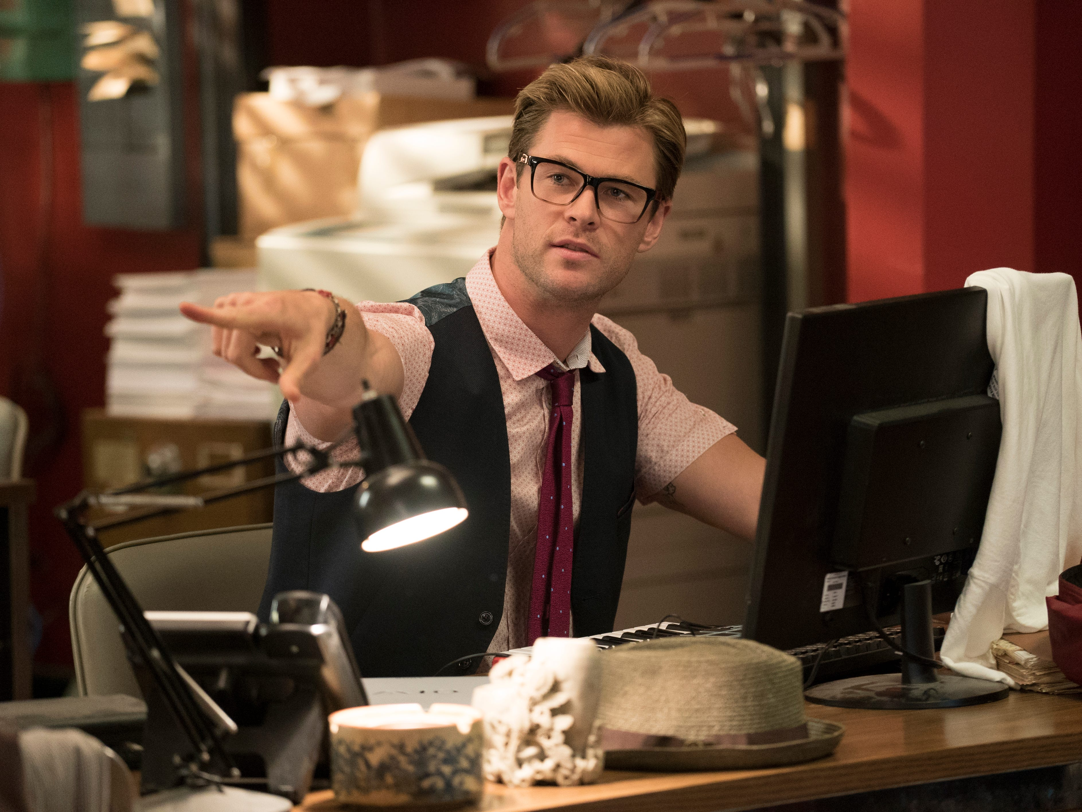 The Ghostbusters new receptionist Kevin (Chris Hemsworth) in a scene from Columbia Pictures' GHOSTBUSTERS.  HANDOUT  Photo by Hopper Stone ORG XMIT: Chris Hemsworth (Finalized) [Via MerlinFTP Drop]