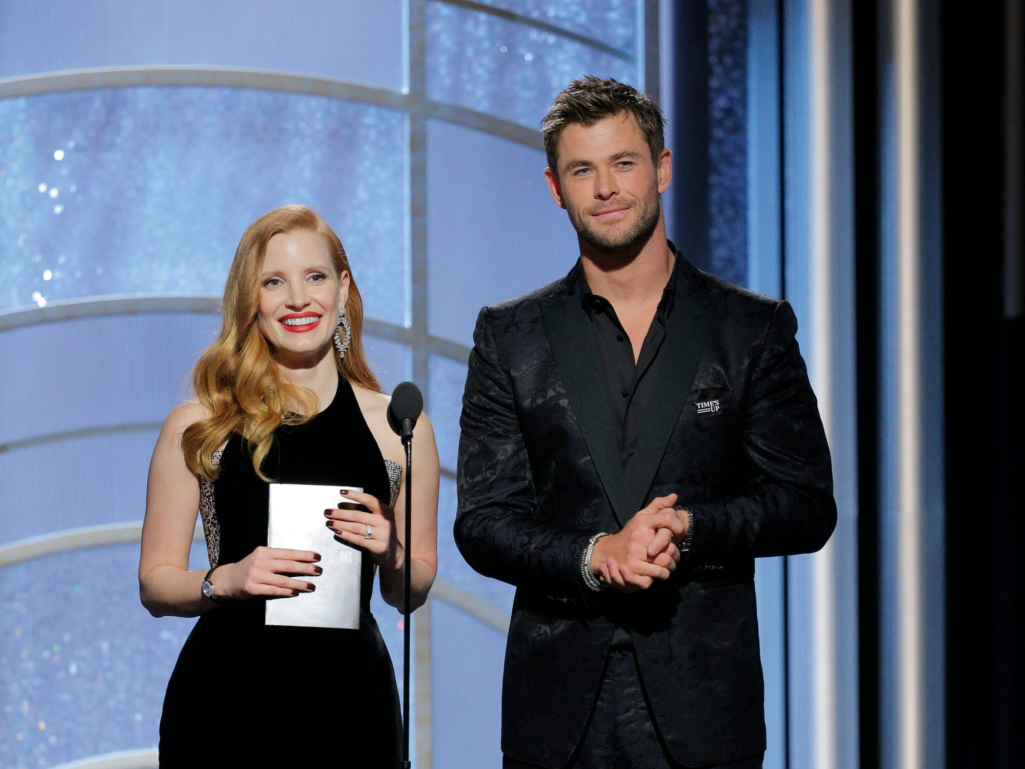 75th ANNUAL GOLDEN GLOBE AWARDS -- Pictured: (l-r) Jessica Chastain, Chris Hemsworth, Presenters at the 75th Annual Golden Globe Awards held at the Beverly Hilton Hotel on January 7, 2018 -- (Photo by: Paul Drinkwater/NBC) ORG XMIT: Season:75 [Via MerlinFTP Drop]