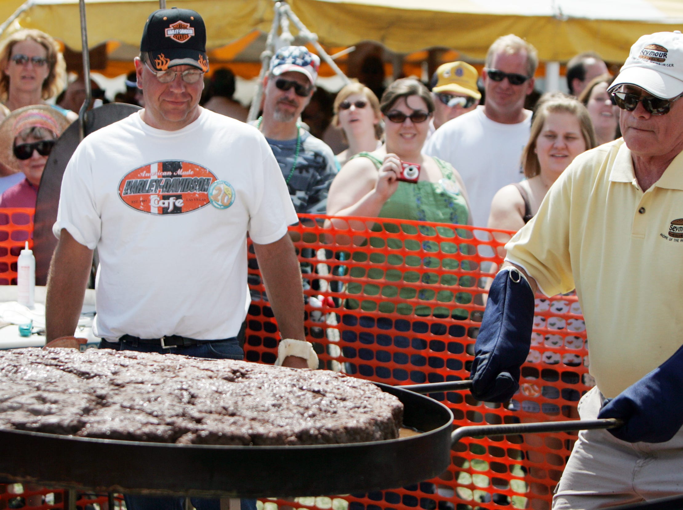 The 20th Annual Burger Fest was held in Seymour, Wis., Saturday, Aug. 9, 2008. Post-Crescent photo by M.P. King.