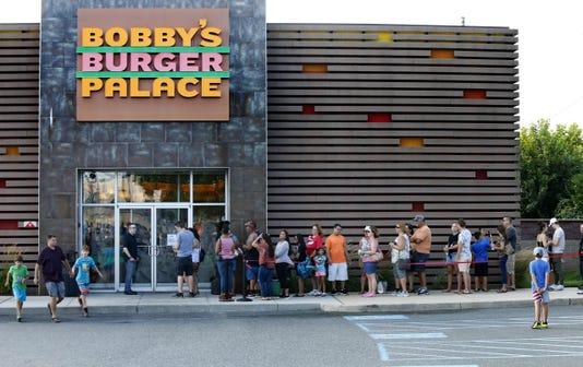 Asb 0809 Bobby Flay Monmouth Mall