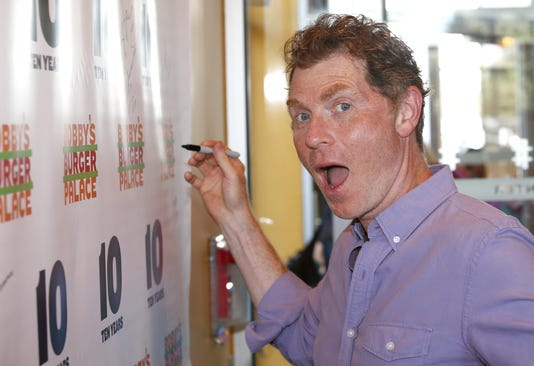 Celebrity chef bobby flay visits his burger palace at monmouth mall asb 0809 bobby flay monmouth mall m4hsunfo