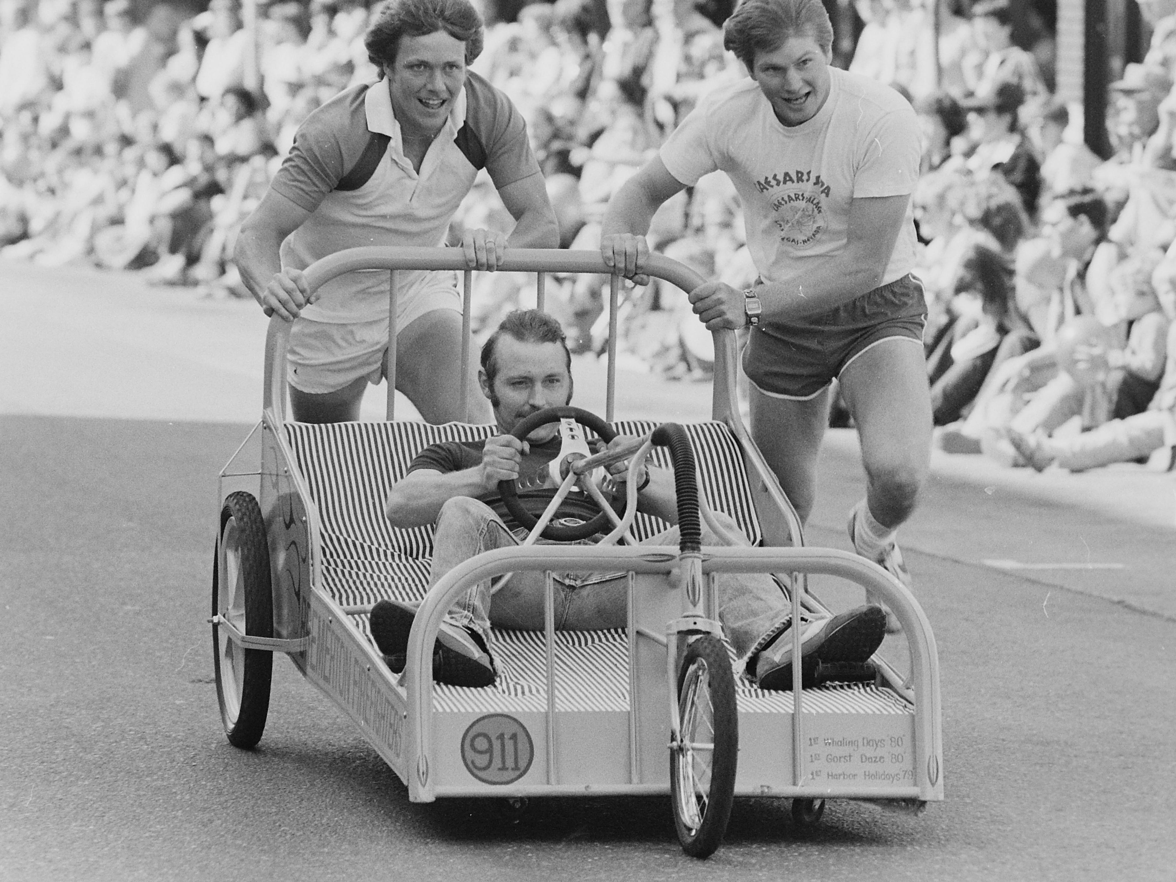 05/15/82Armed Forces Bed Race