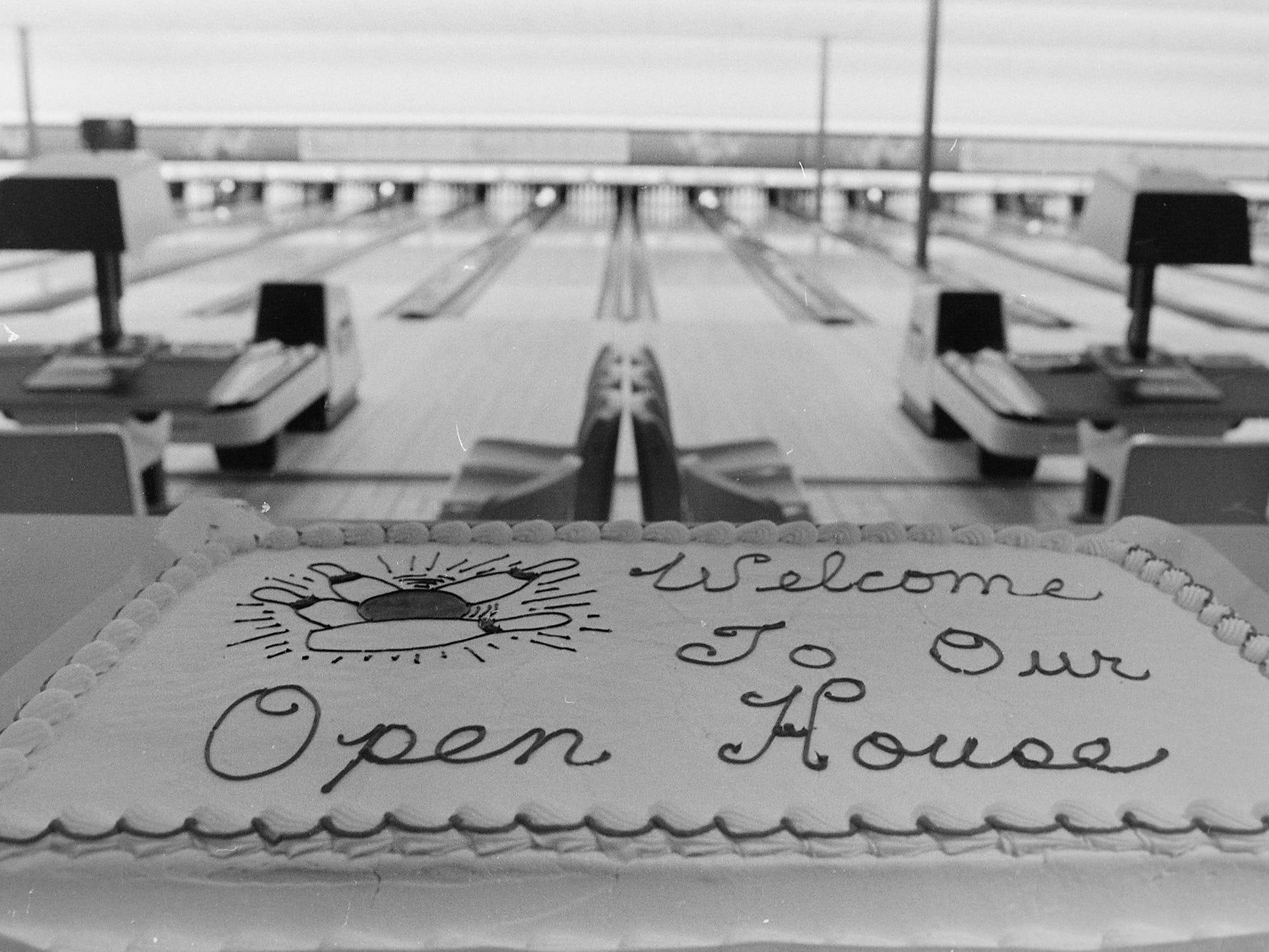 02/23/82Hi Joy Bowling Open House