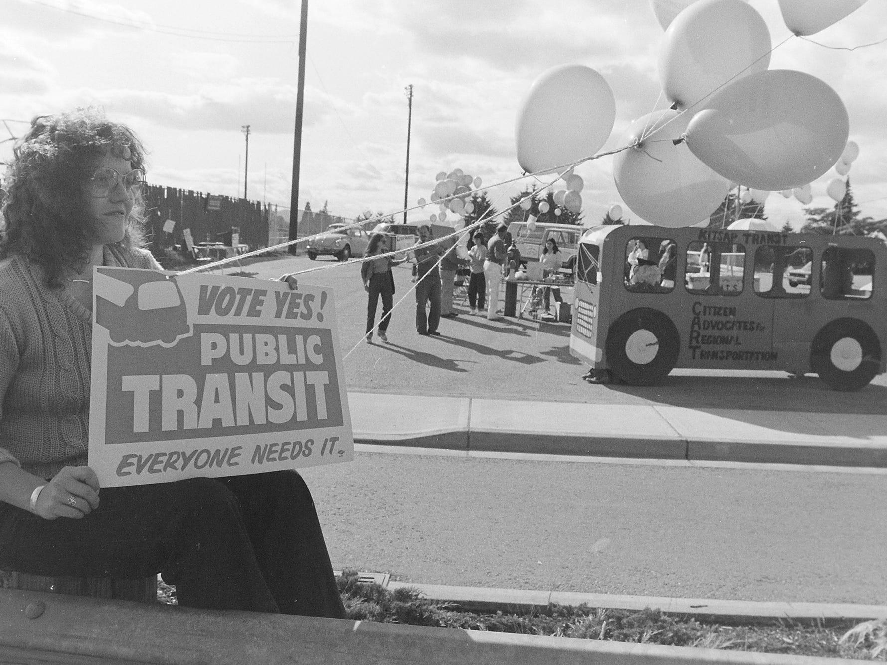 04/10/82Public Transit Demonstration