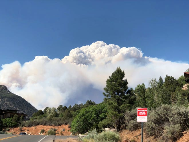 Pyrocumulus cloud above Durango, Colo.
