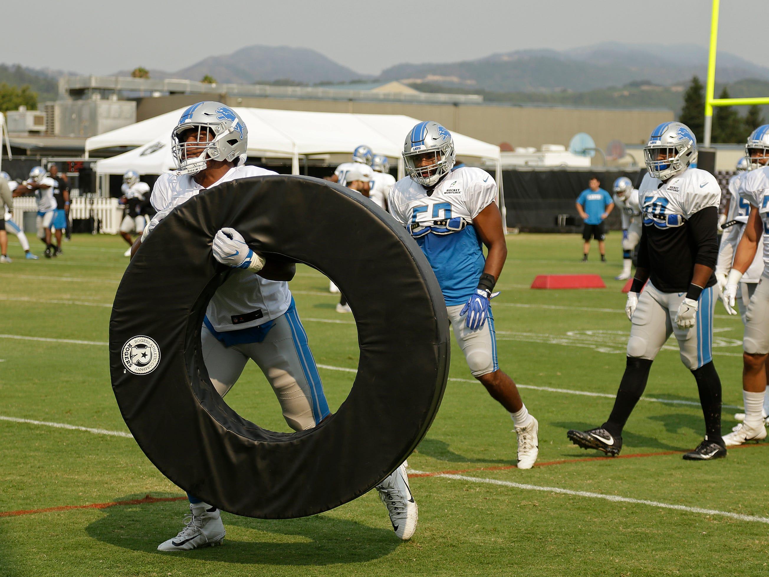 Detroit Lions linebacker Devon Kennard carries a ring.