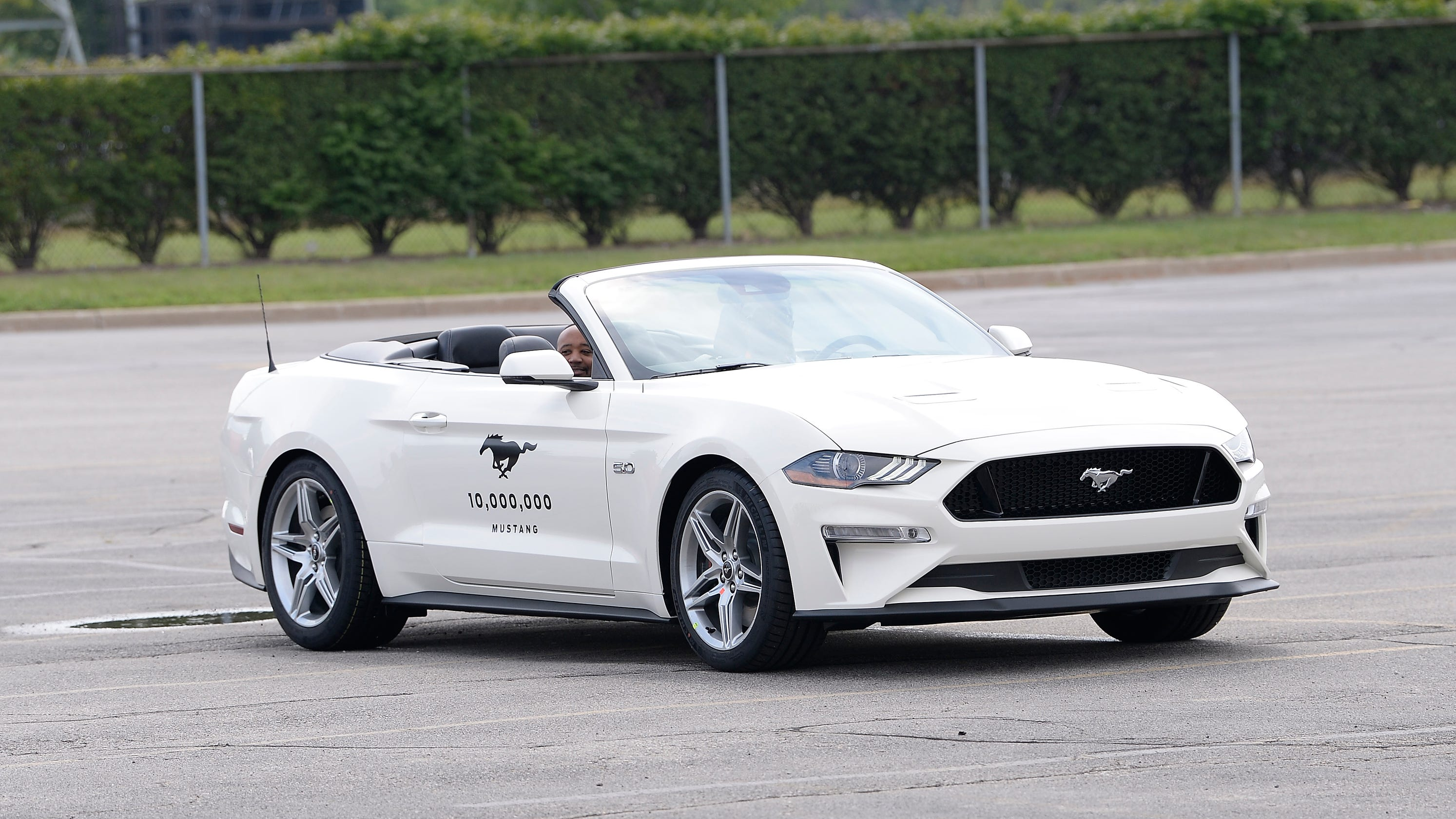 Ford mustang 10000 by ford celebrates 10 000 000th mustang
