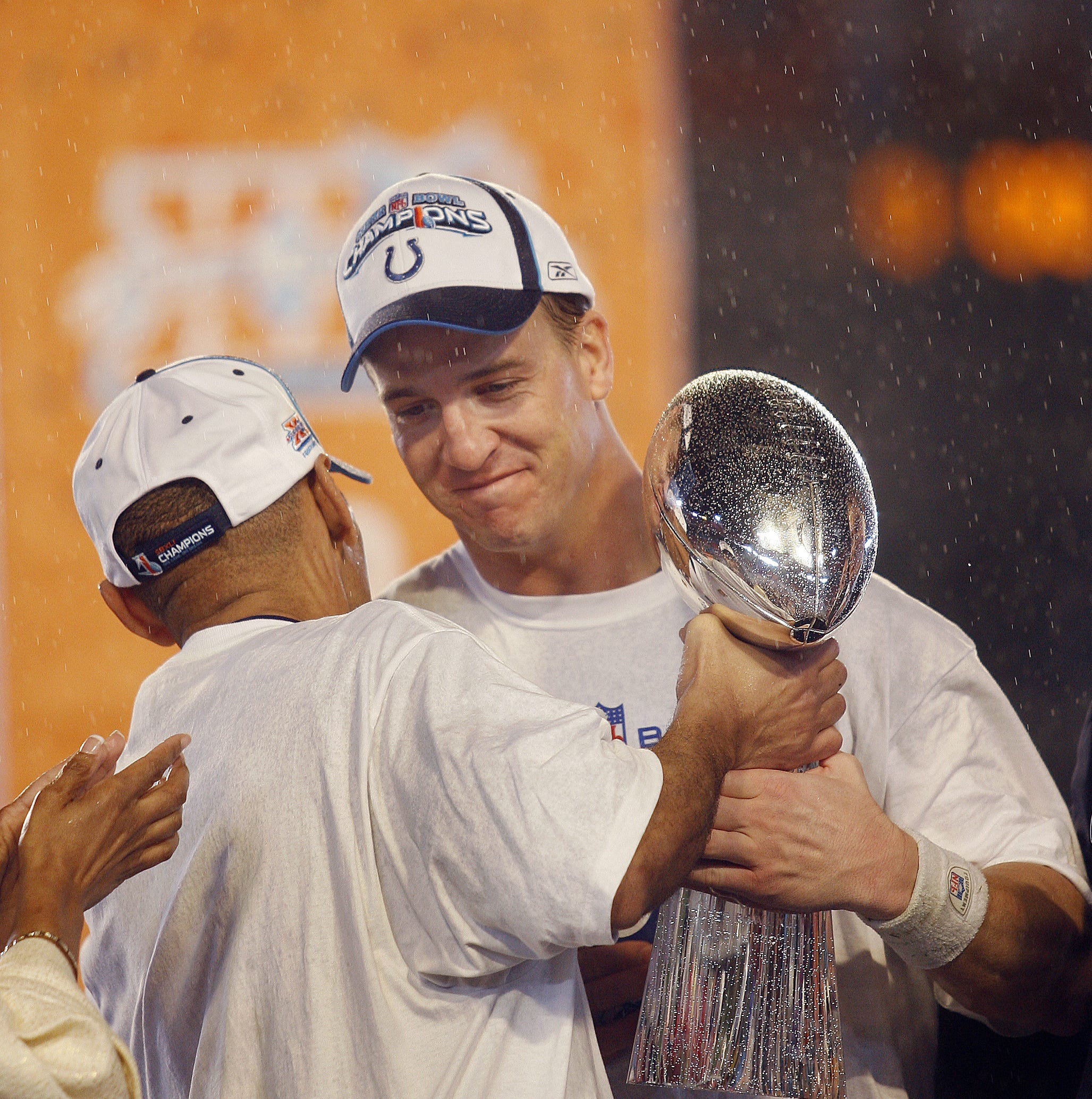 Peyton Manning to host football-themed 'Detail' show