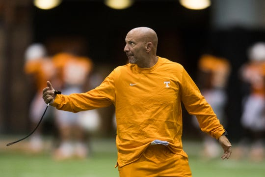 Special teams coordinator and safeties coach Charles Kelly coaches during UT Vols preseason football practice Wednesday, Aug. 8, 2018.