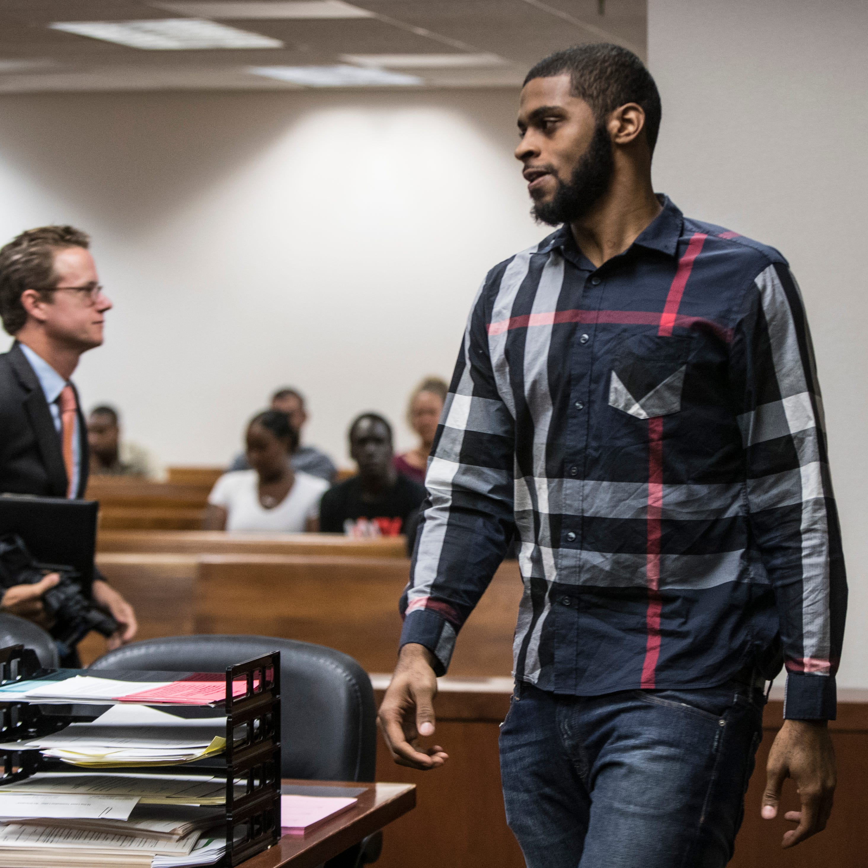 Drug, gun charges dropped against ex-Louisville player Chane Behanan