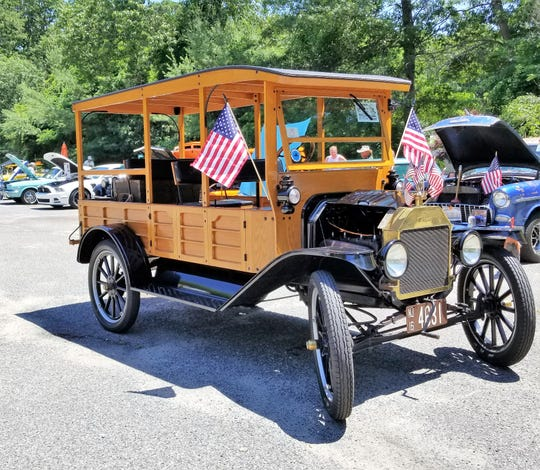 Rich Kunze's 1916 Model-T Ford   Marianne Ross