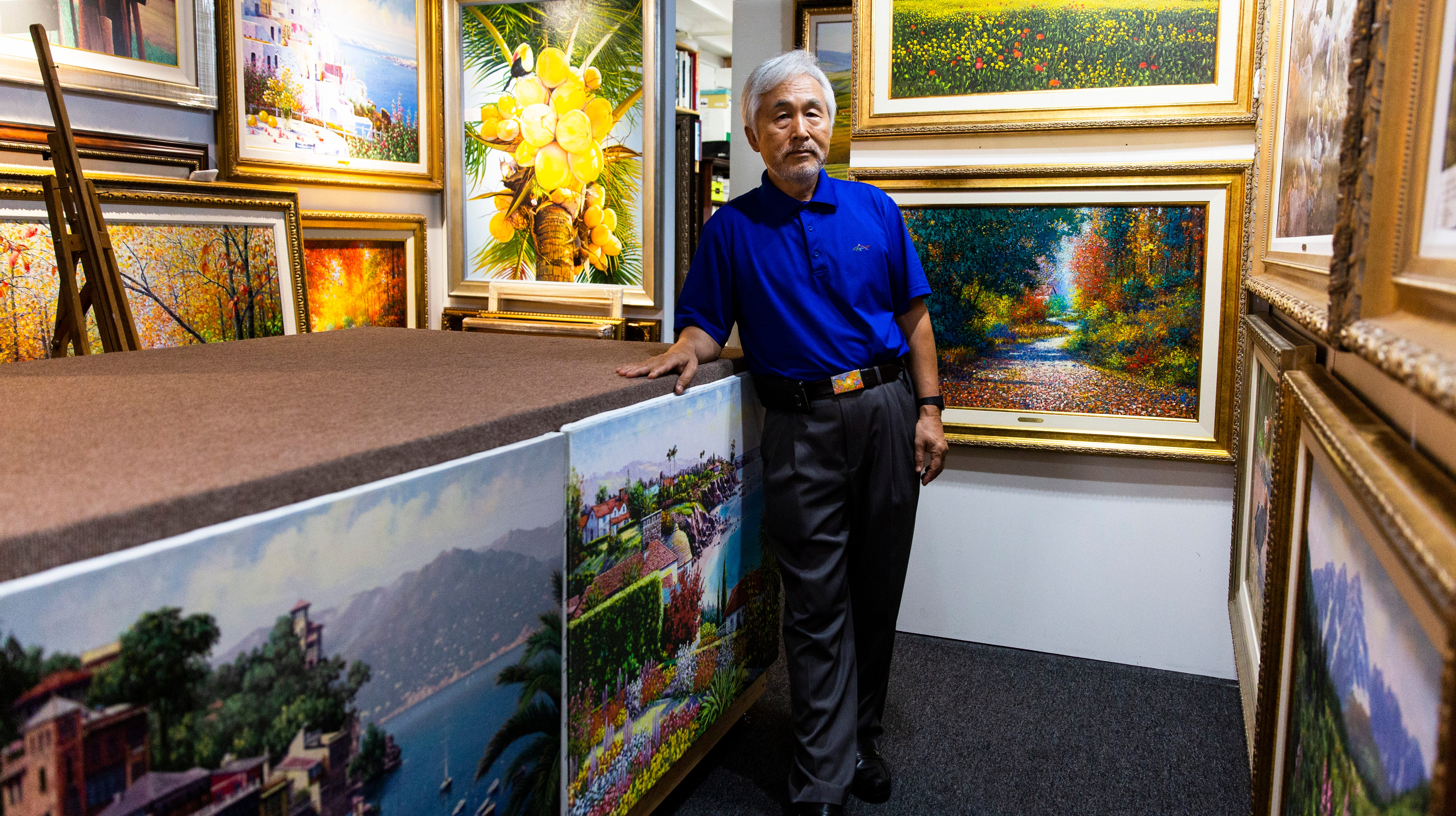 Nomadic Naples artist now home to stay after 38 years on the road