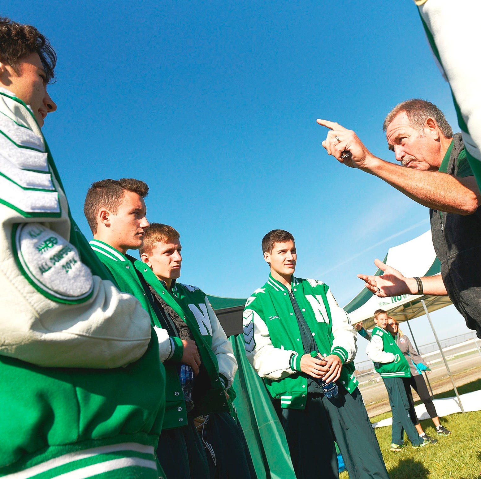 Novi cross country mourns unexpected death of Hall of Fame coach Robert Smith