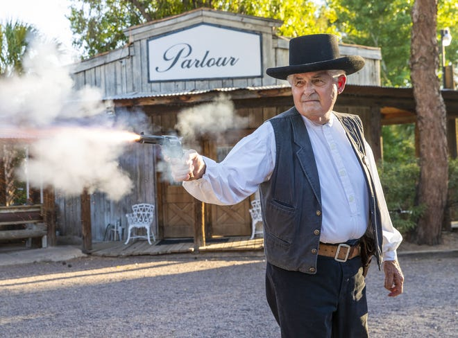 Longtime gunfighter Bob Charnes performed in reenactments at Rockin' R Ranch.