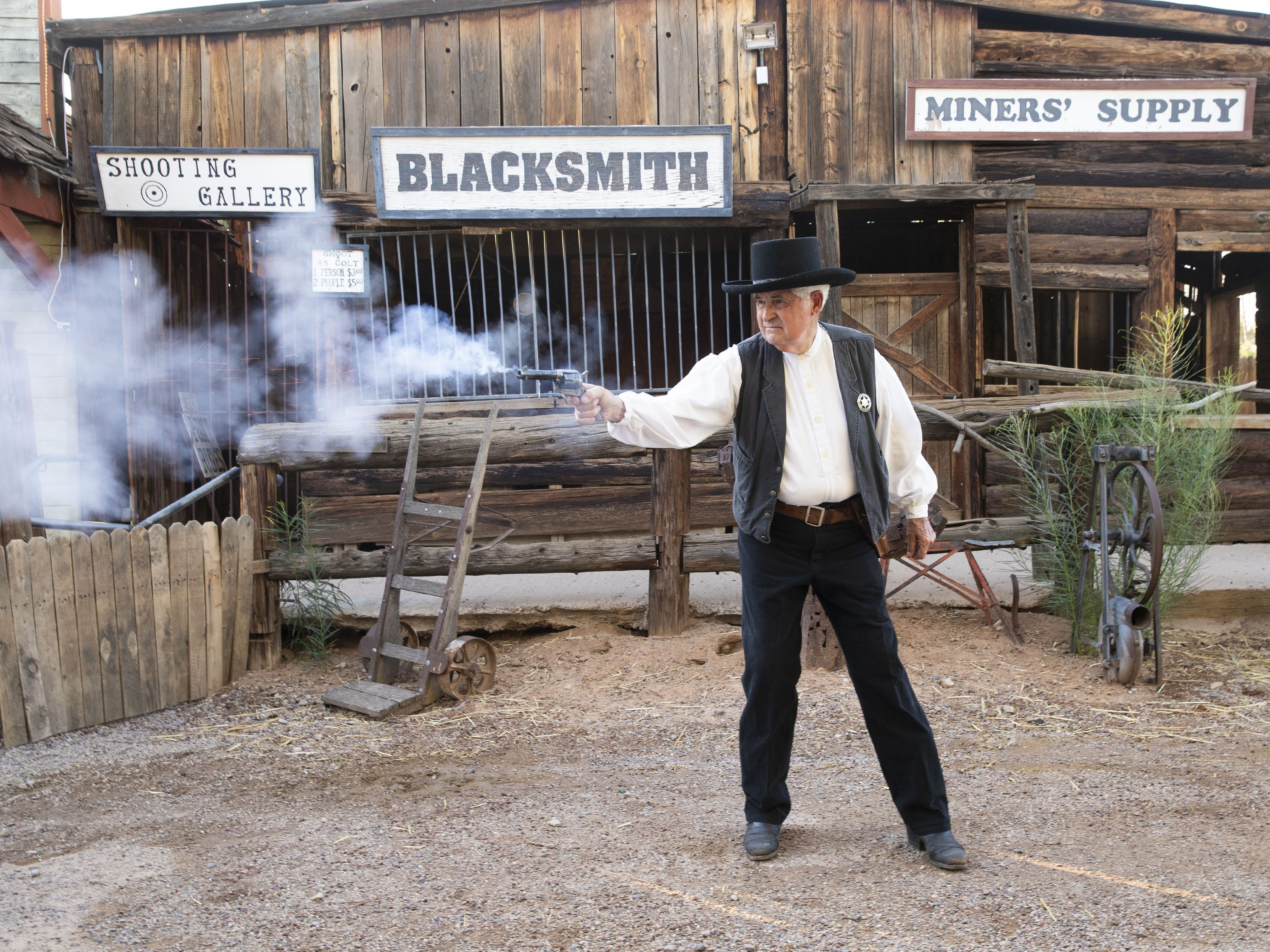 Longtime gunfighter Bob Charnes photographed at the Rockin R Ranch in Mesa, Ariz. August 6, 2018. Charnes, 80, has performed in reenactment for more than 60 years.