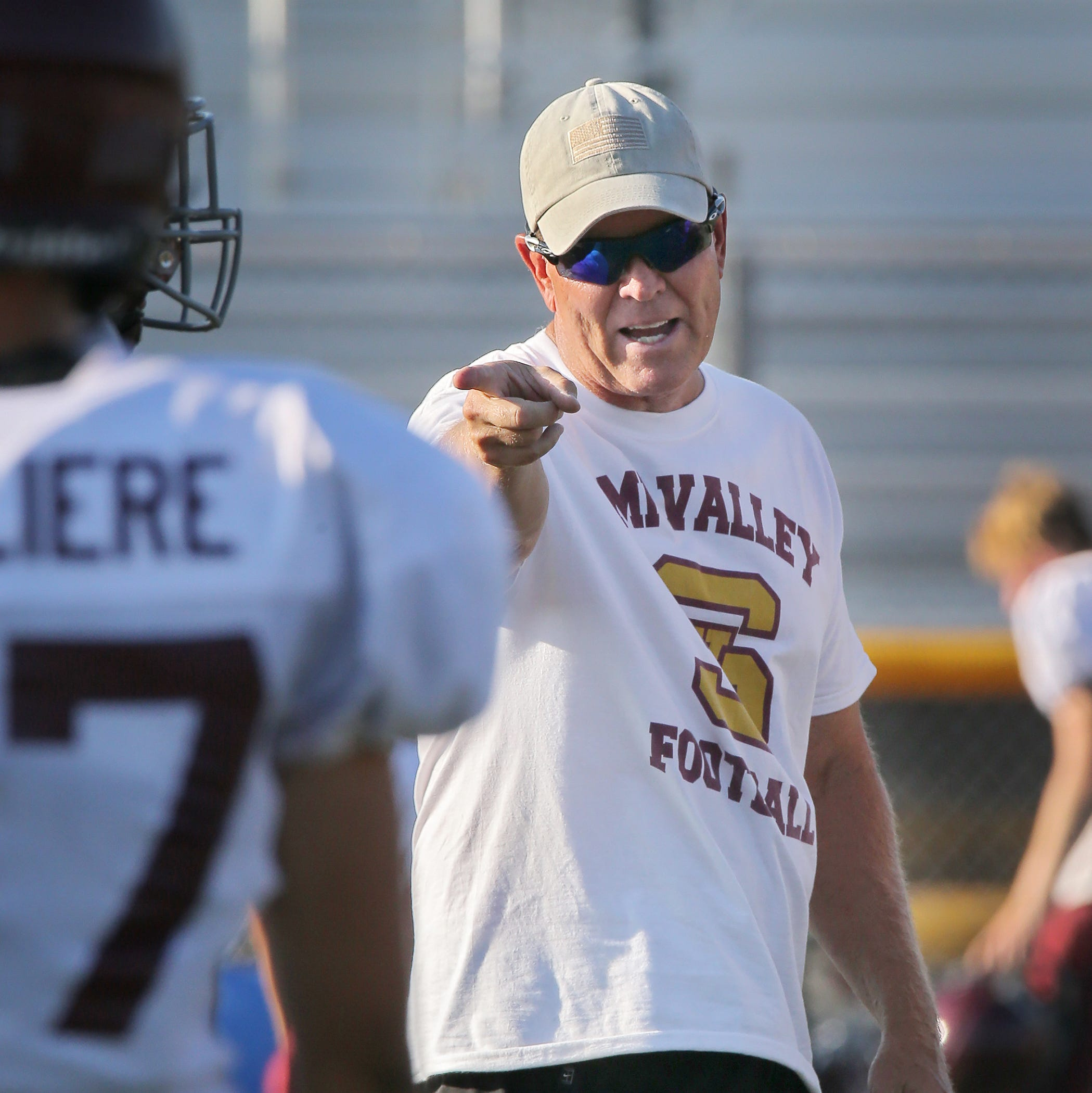 Simi Valley shows some fight in loss to Div. 3 Lompoc in Benkert's debut as coach