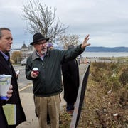 Sleepy Hollow Mayor Ken Wray (right) discusses village's potential with members of an Urban Land Institute New York Technical Assistance Panel.