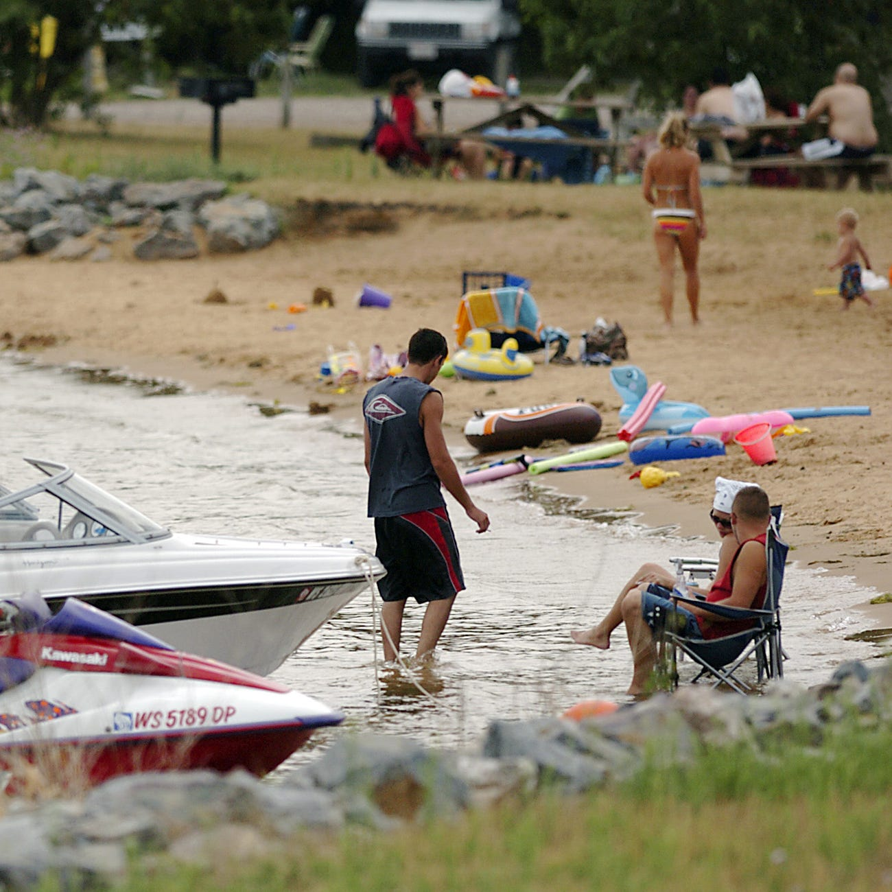 Three Adams County beaches closed due to reported illnesses from blue-green algae