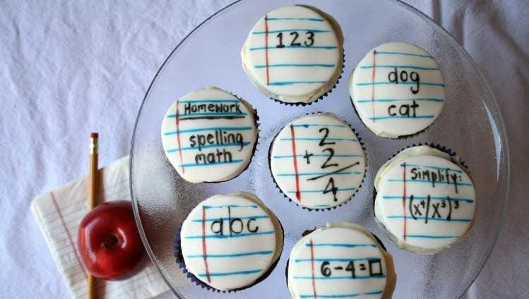 Back-to-school cupcakes by dukesandduchesses.com.