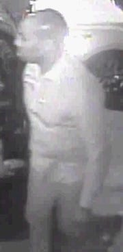 New York police are looking for a man in connection to the death of a Florida man knocked unconscious in Long Island City on Sunday.