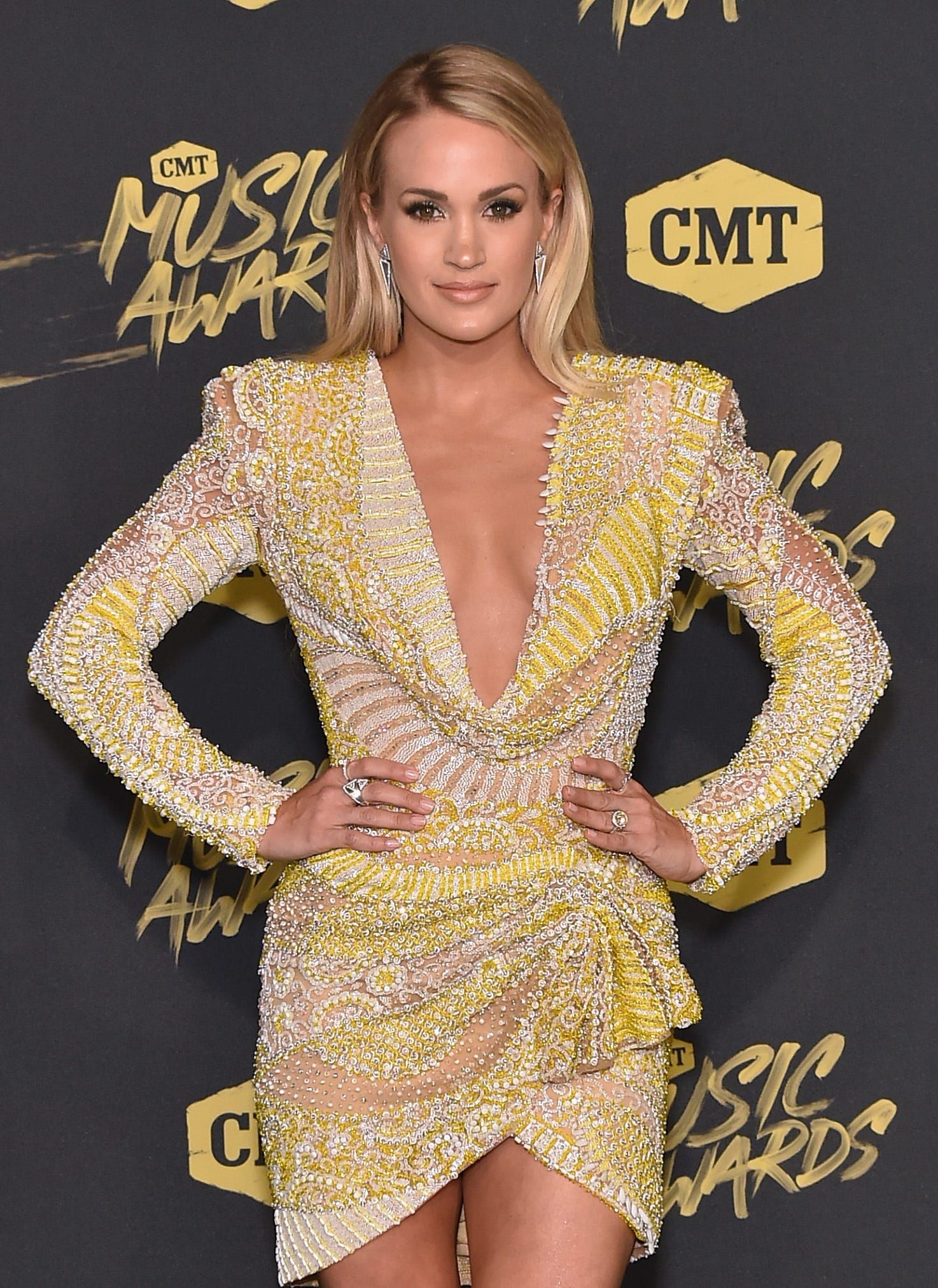 Carrie Underwood Just Announced Shes Pregnant With Her Second Child pics