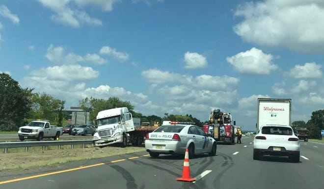 Tractor trailer incident on I-287