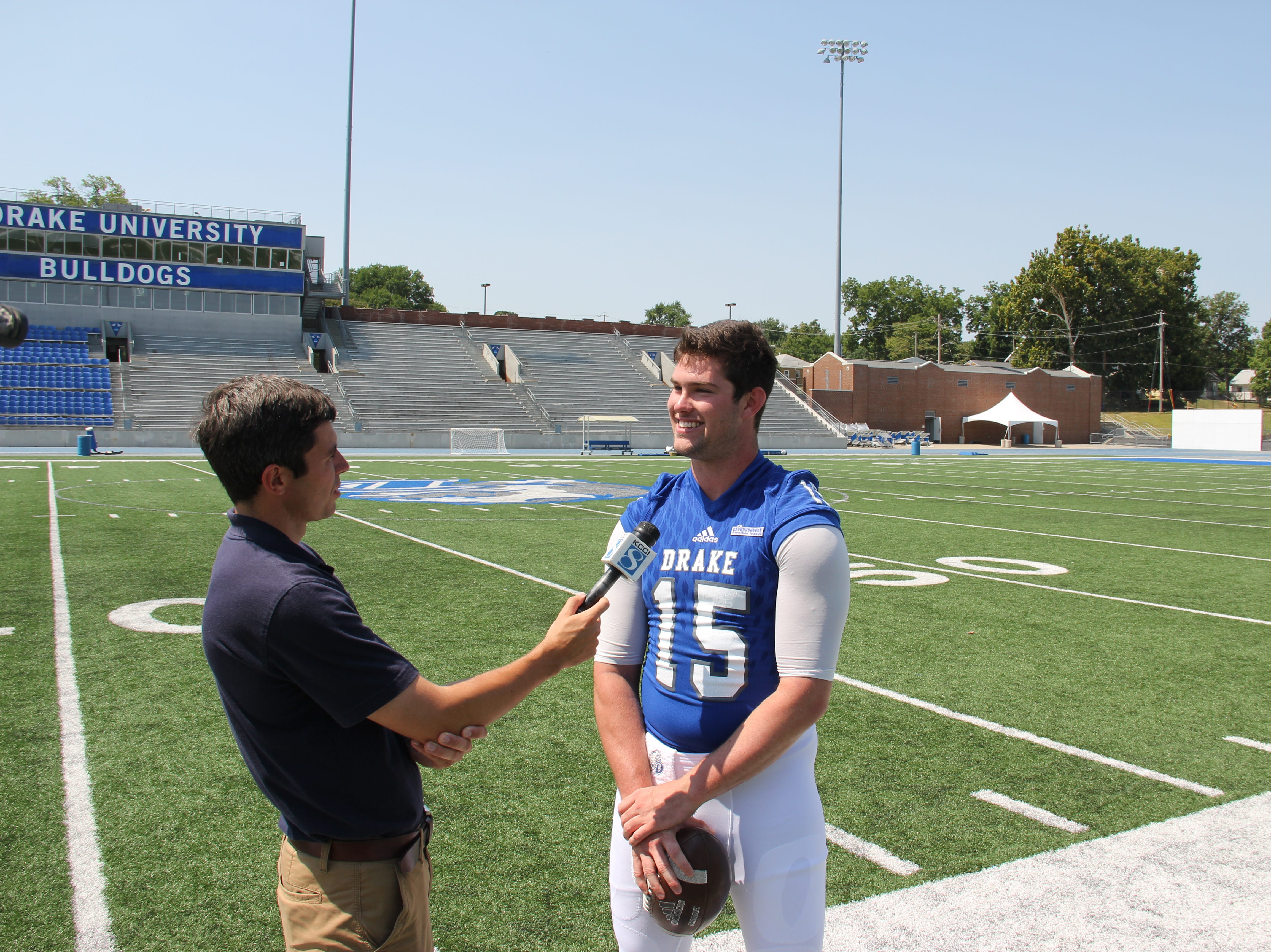 Starting quarterback Grant Kraemer returns for his senior season at Drake after throwing for 20 touchdowns in 2017.