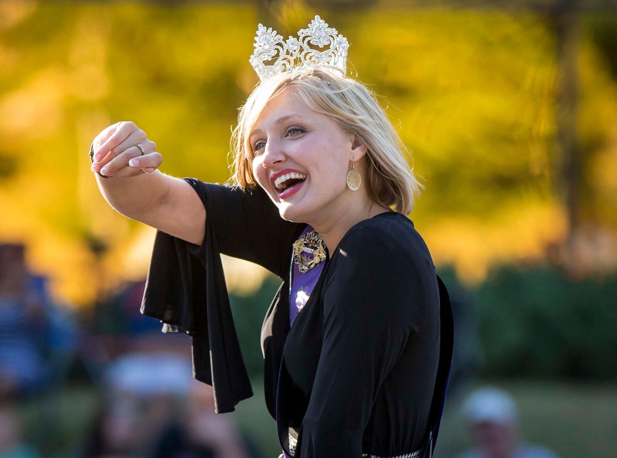 2017 Iowa State Fair Queen Jacqueline Ehrlich rides in the  2018 Iowa State Fair parade from the Statehouse to downtown Des Moines Wednesday, Aug. 8, 2018. The Iowa State Fair runs from Aug. 9Ð19.