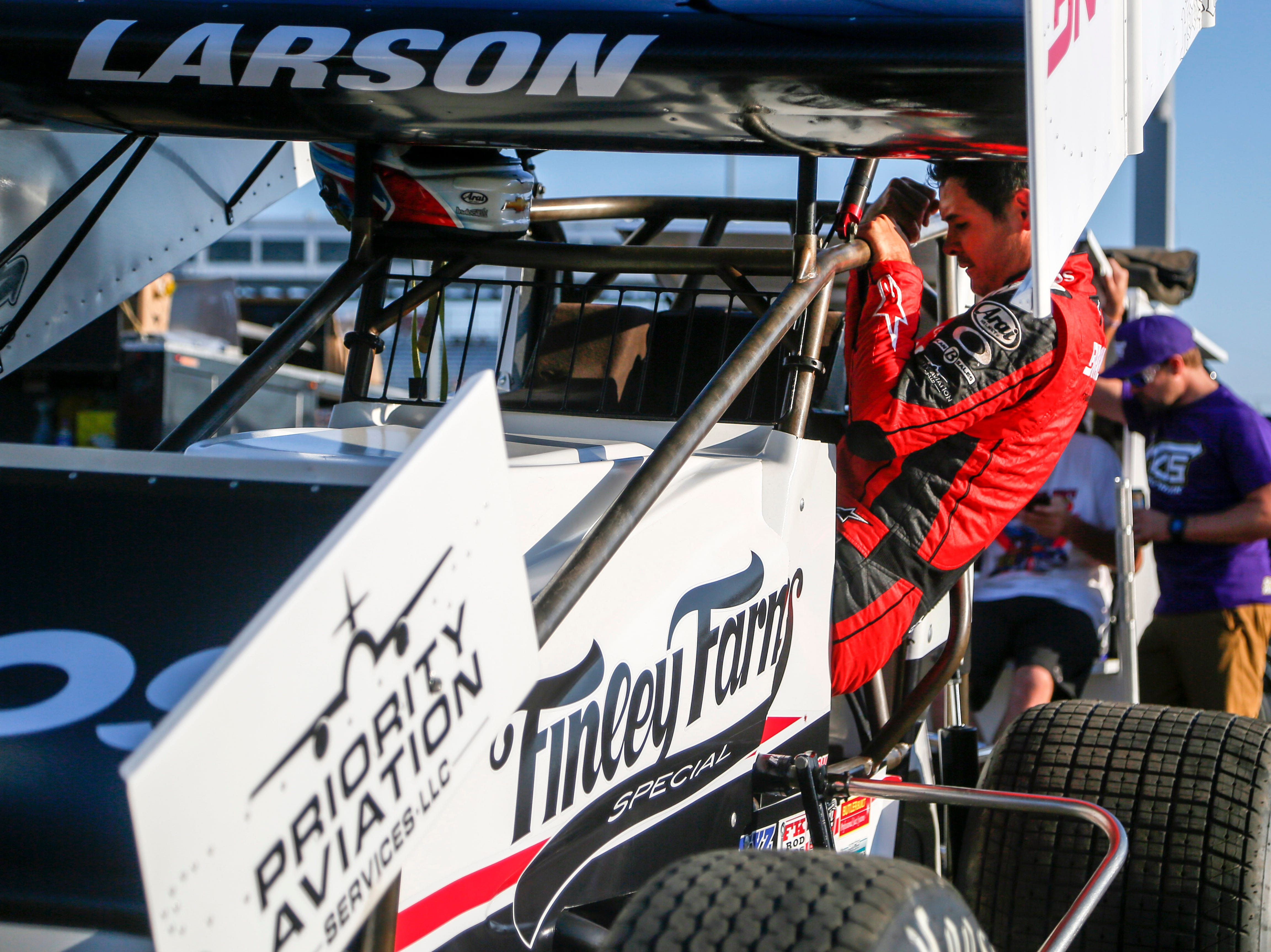 Leistikow: Kyle Larson's biggest dream, winning the Knoxville Nationals, within reach