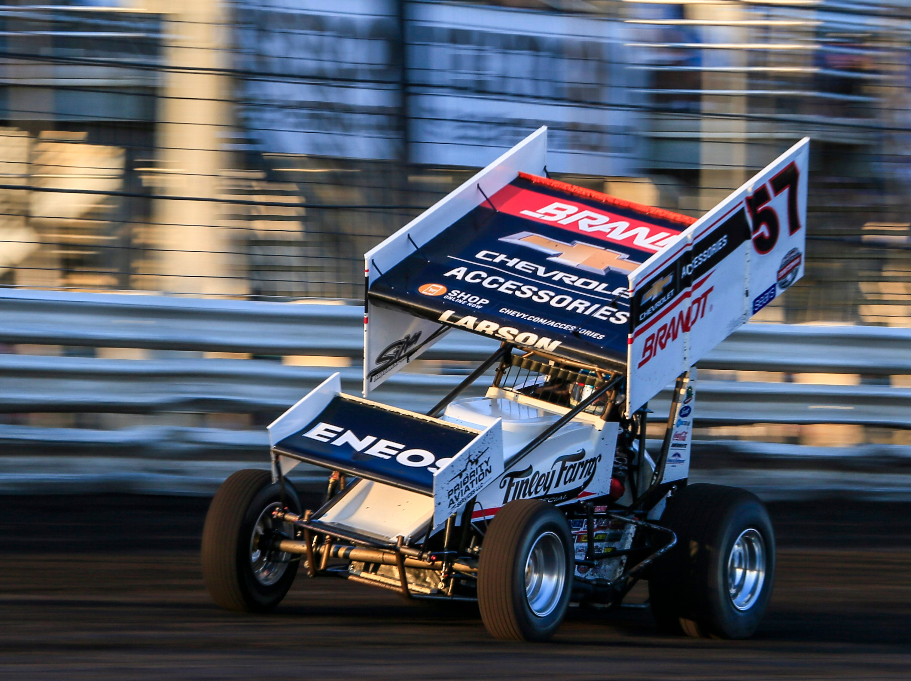 Kyle Larson rounds the track during the Knoxville Nationals Wednesday, Aug. 8, 2018.