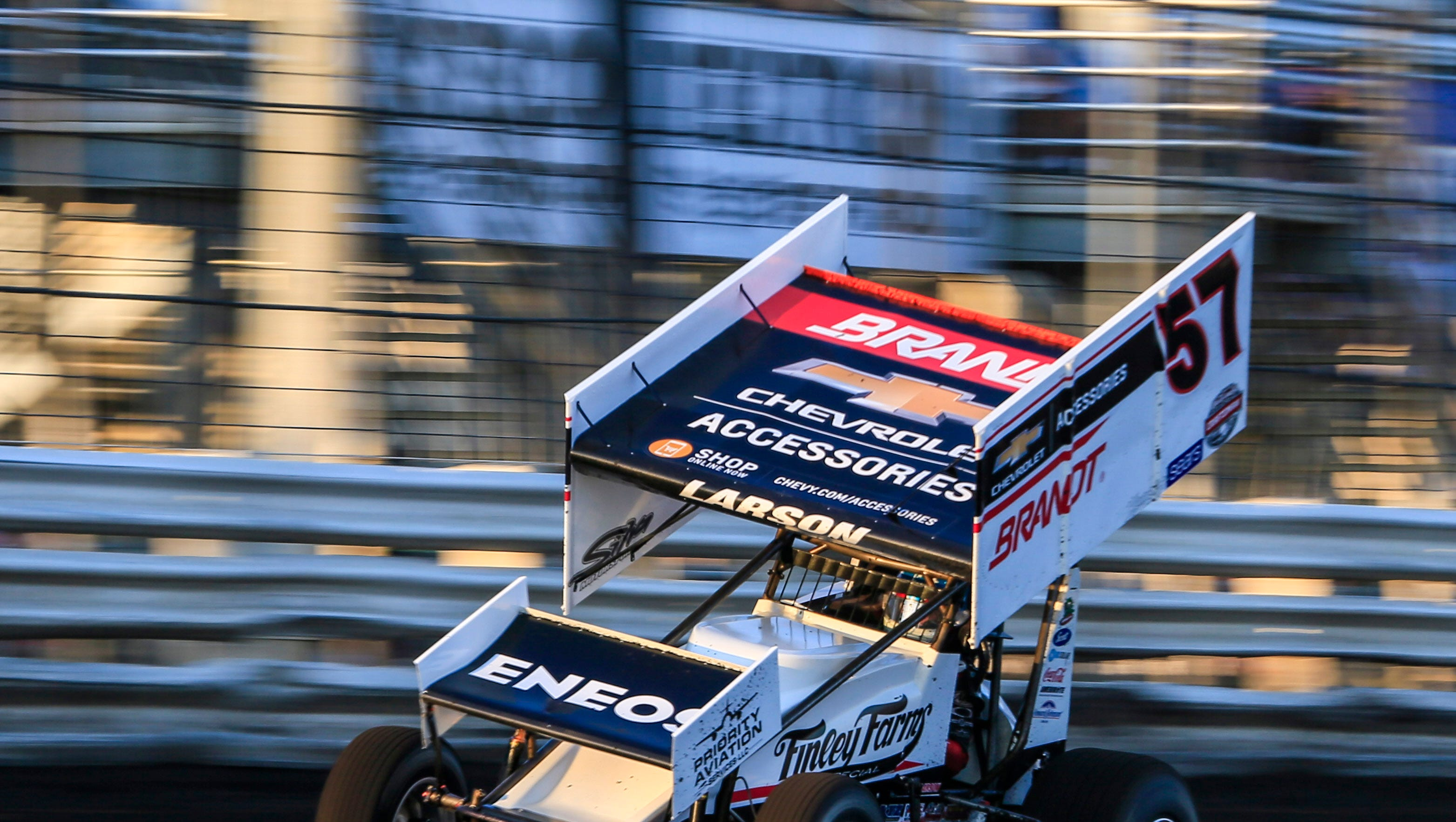 Knoxville Nationals: Kyle Larson steals the show on opening night