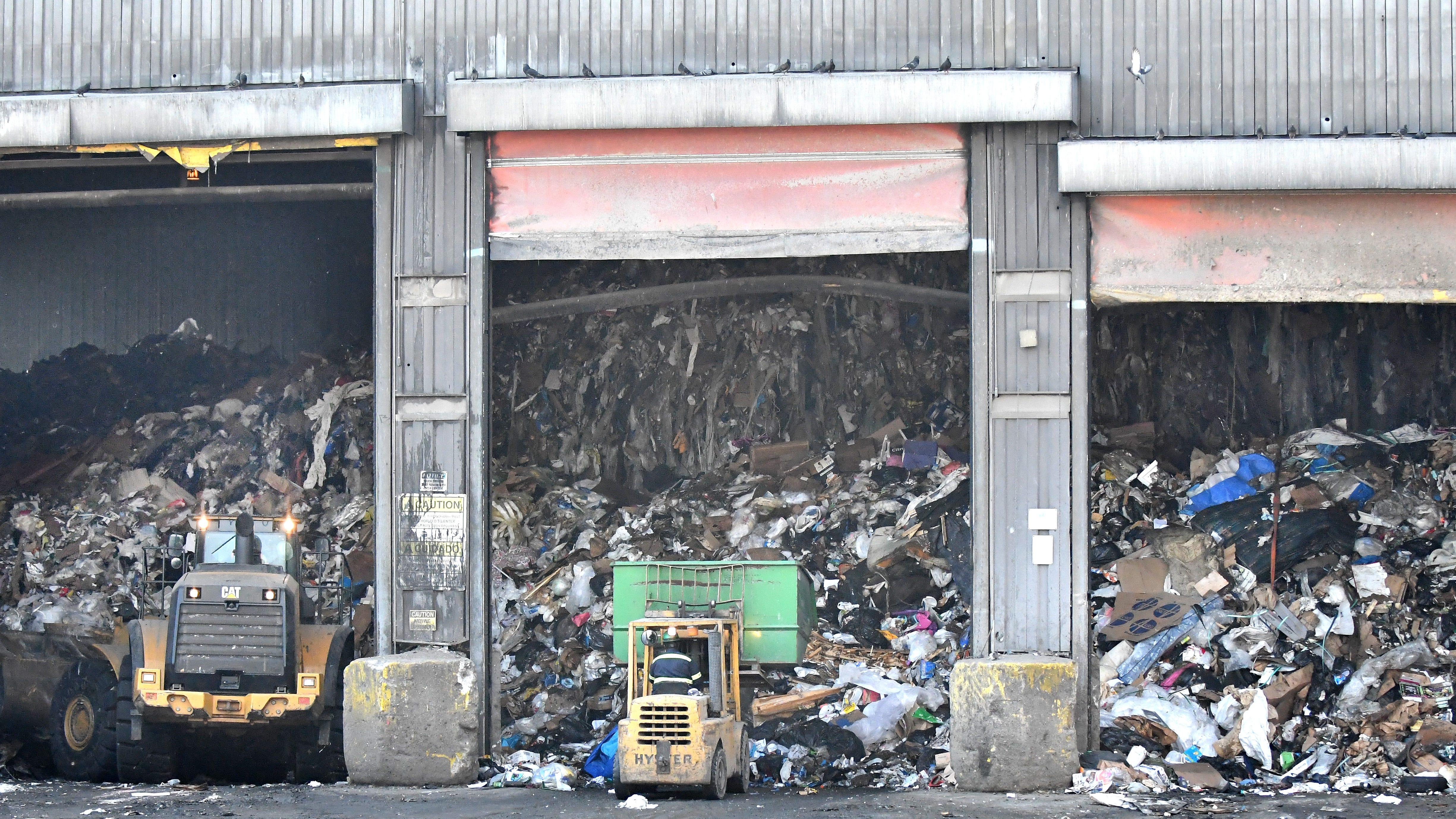 Detroit incinerator seeks odor fix as neighbors raise stink