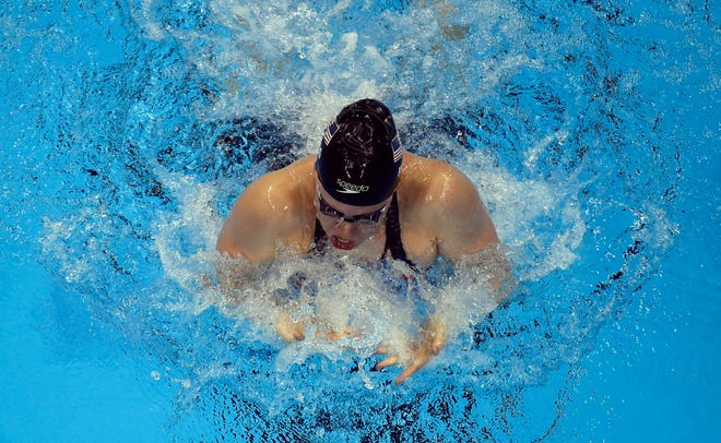 LIly King won a gold medal Thursday in the 100-meter breaststroke at the Pan Pacific Championships at Tokyo, but remains behind her Russian rival Yuliya Efimova for a No. 1 world ranking. This is a 2016 photo of her doing the breaststroke.