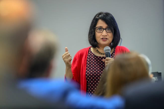 Louisville president Neeli Bendapudi speaks to the crowd assembled at Leadership Louisville on Thursday morning about her management philosophy. August 9, 2018