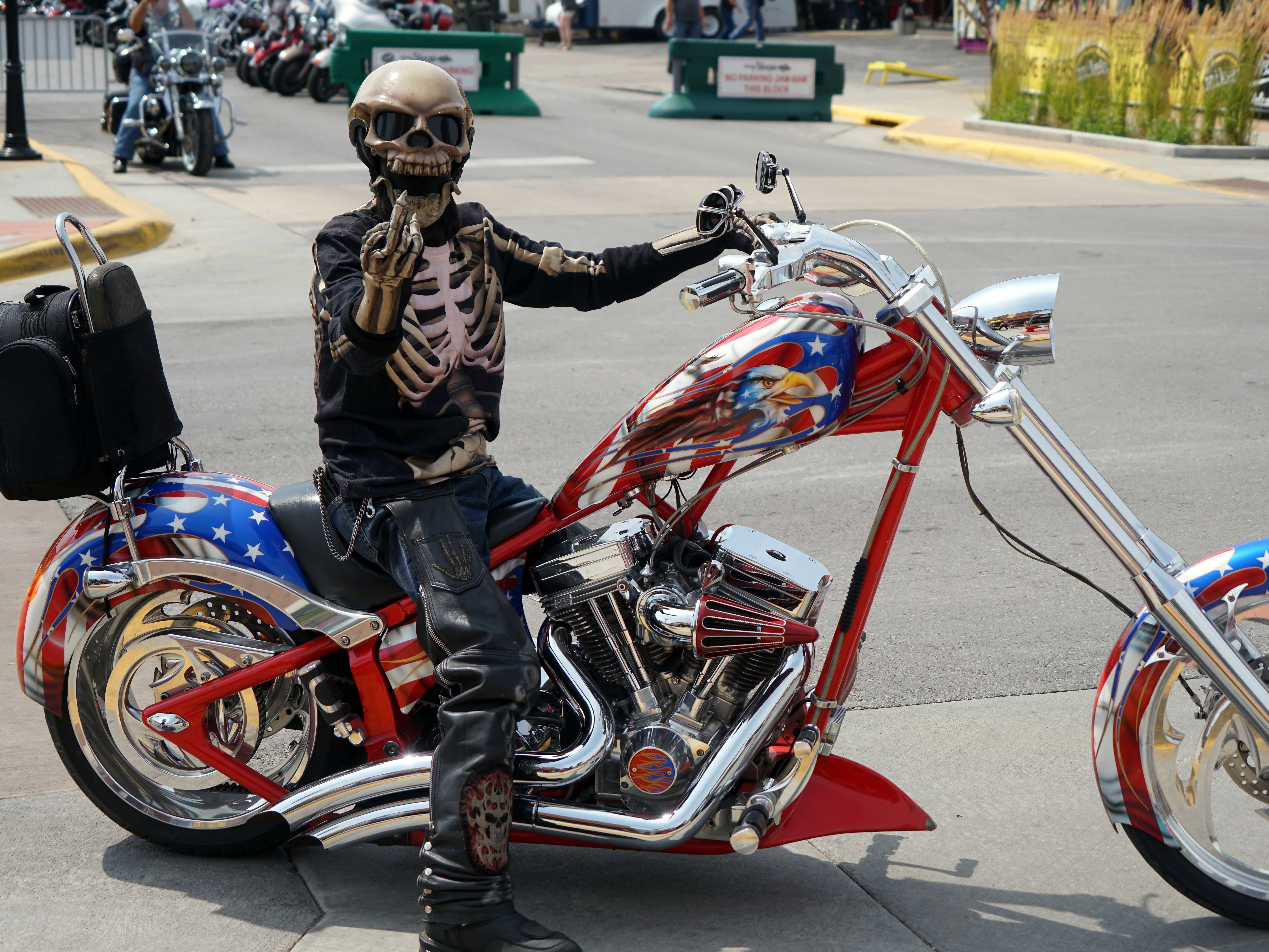 2018: Both riders and bikes are customized for the Sturgis rally.
