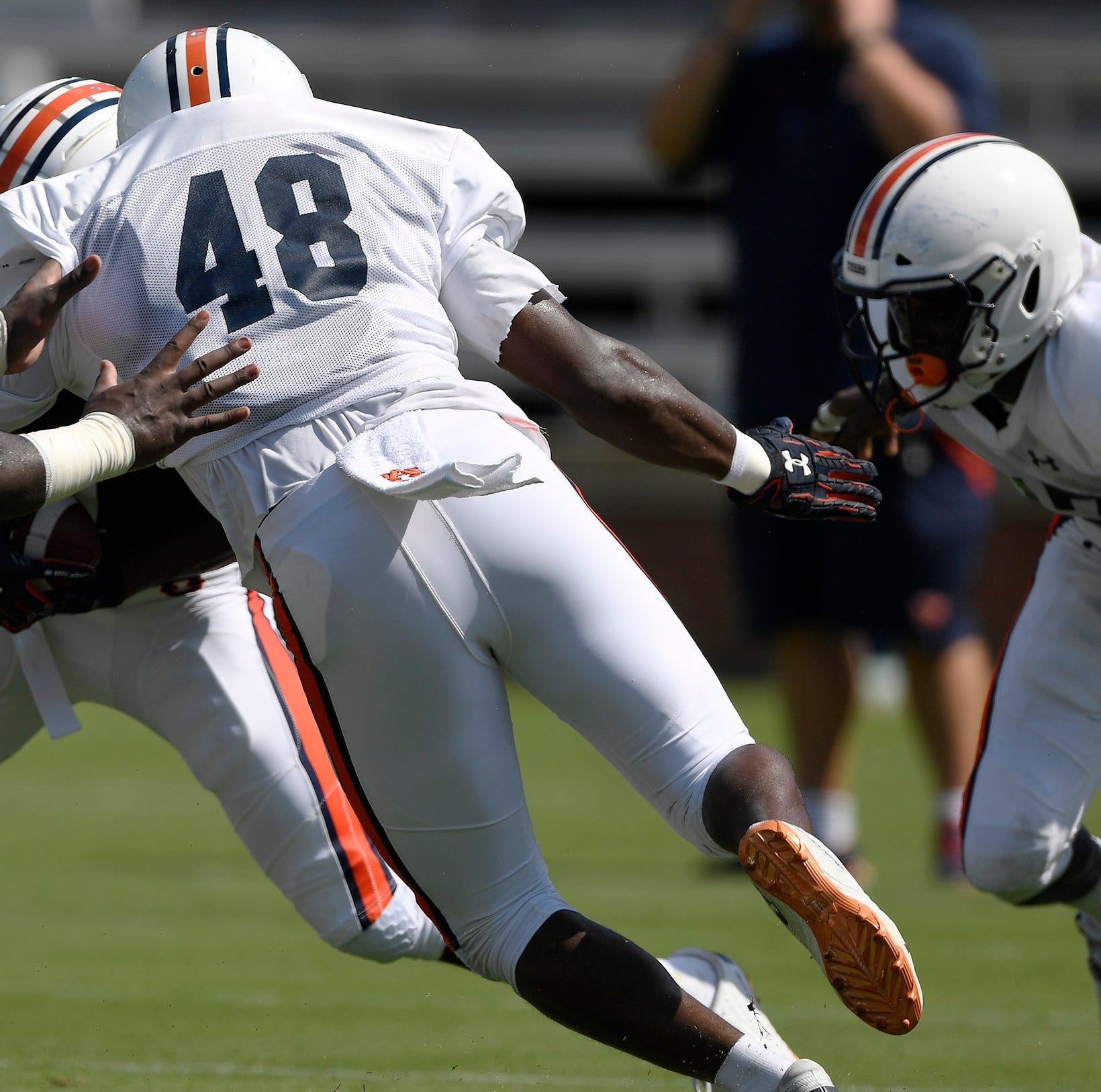 Auburn linebackers coach Travis Williams enjoying luxury few have had while keeping eye toward future