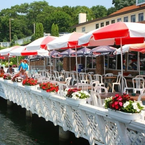 North Jersey lake-side restaurants offer elevated dining with panoramic views