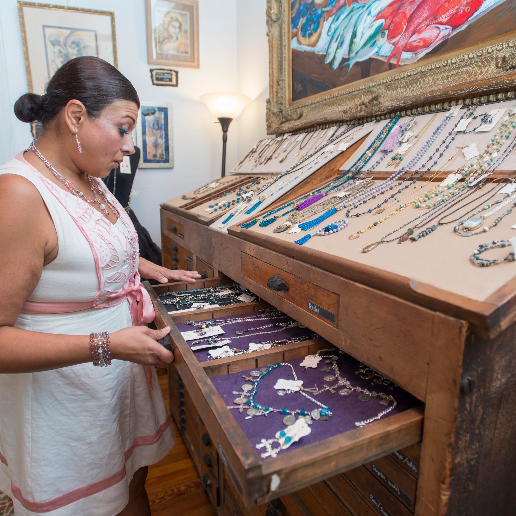 Ann David Gallery in East Hill brings art back home