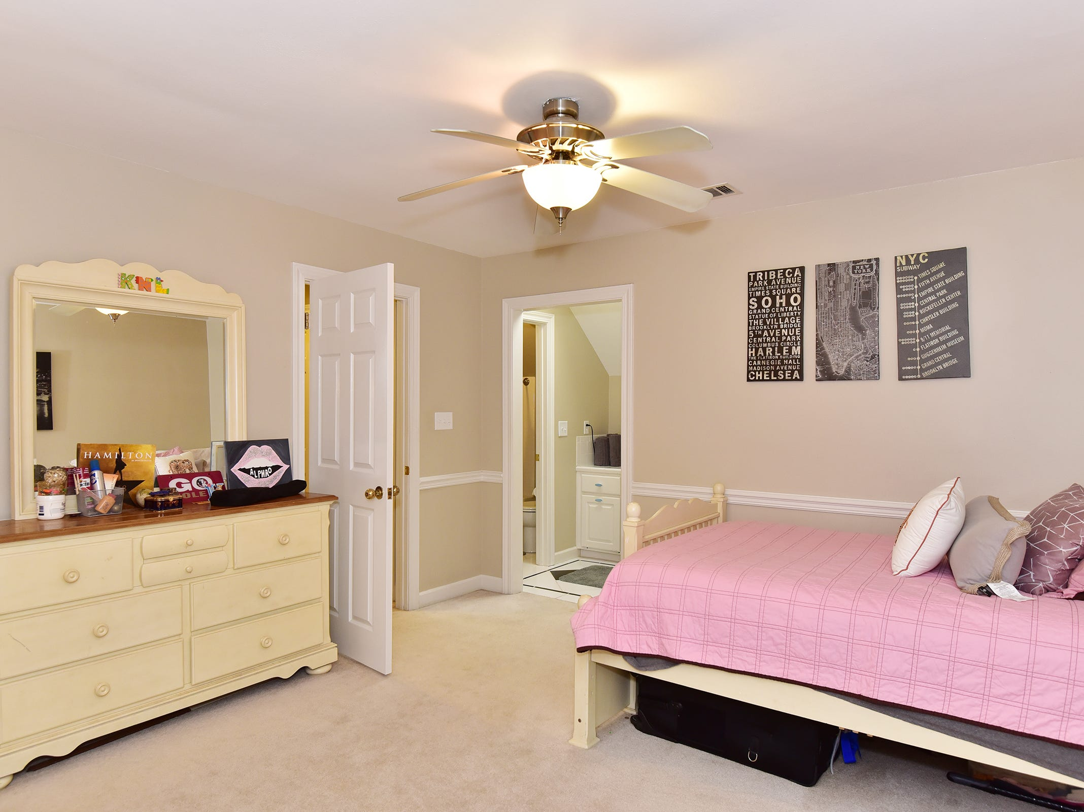 2474 Semur Rd., an additional bedroom.