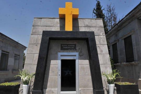 """Esta es la cripta donde reposan los restos de don Mario Moreno """"Cantinflas"""", misma que es propiedad de Tita Marbez, viuda del hijo del actor."""
