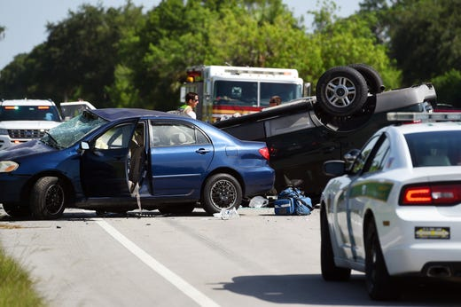 Man dies after crash on Old Dixie Highway in Indian River County