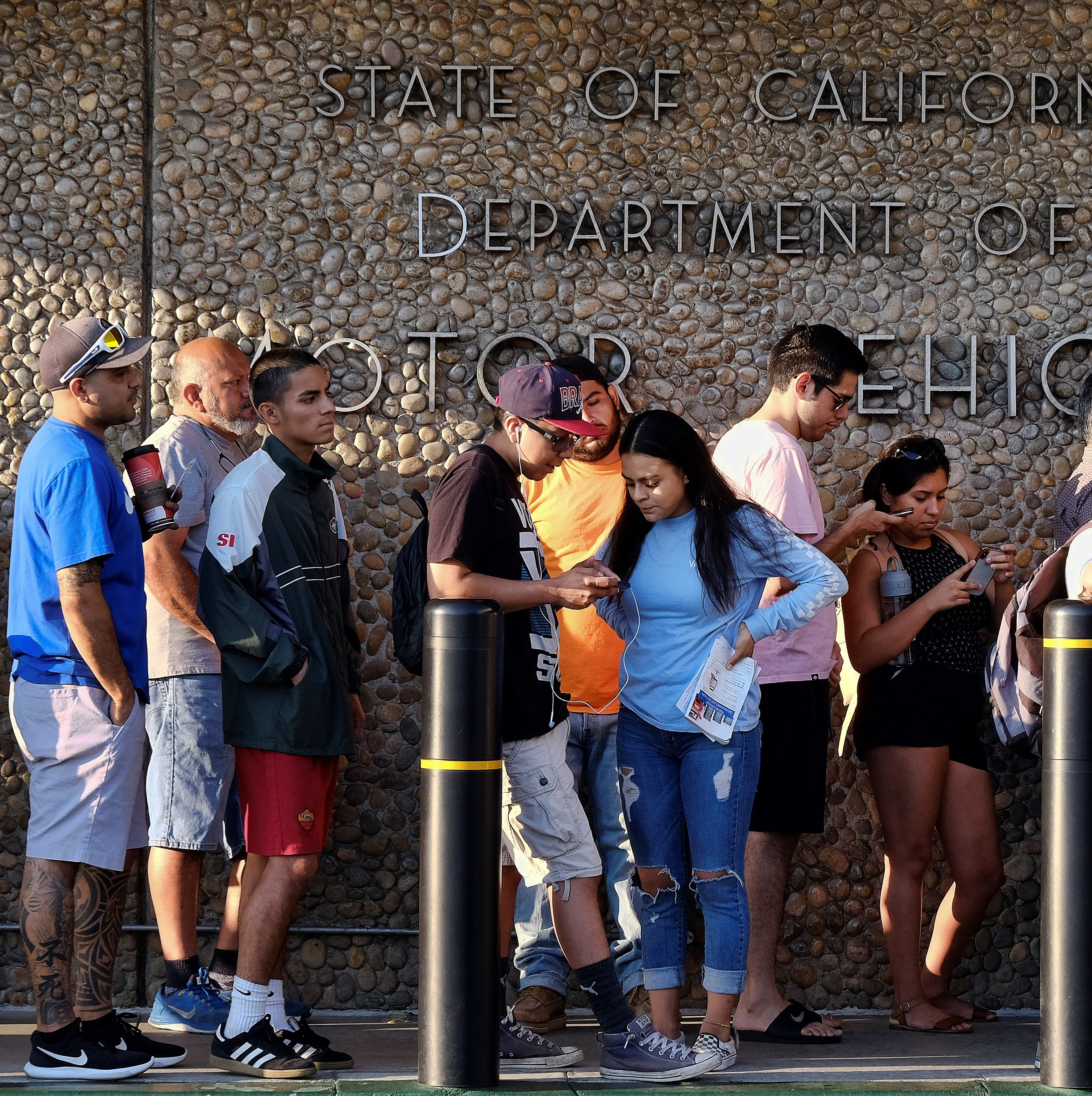Audit finds poor planning led to California DMV problems