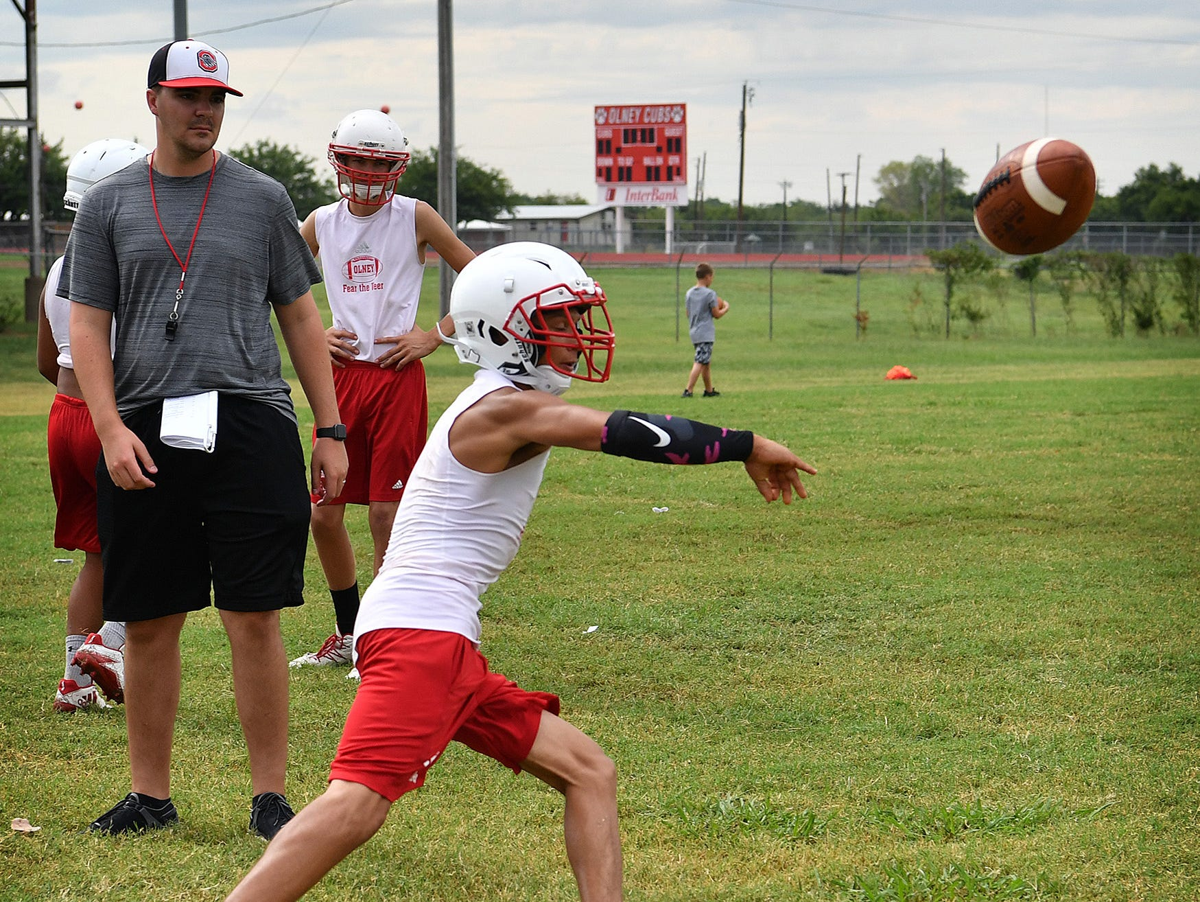 The Olney Cubs have a new offense they will be running this season. Head Coach Jody Guy will run the flexbone offense.