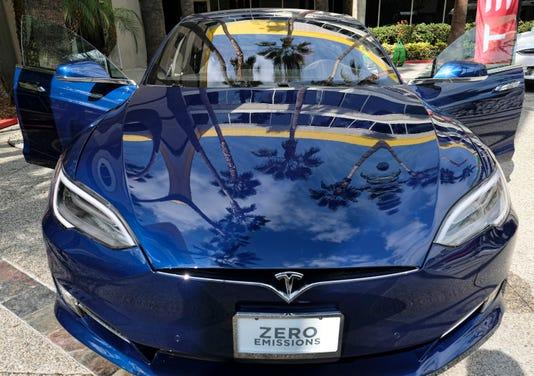 Xxx Earns Tesla Motors Dec 4106 Jpg F A Usa Ca