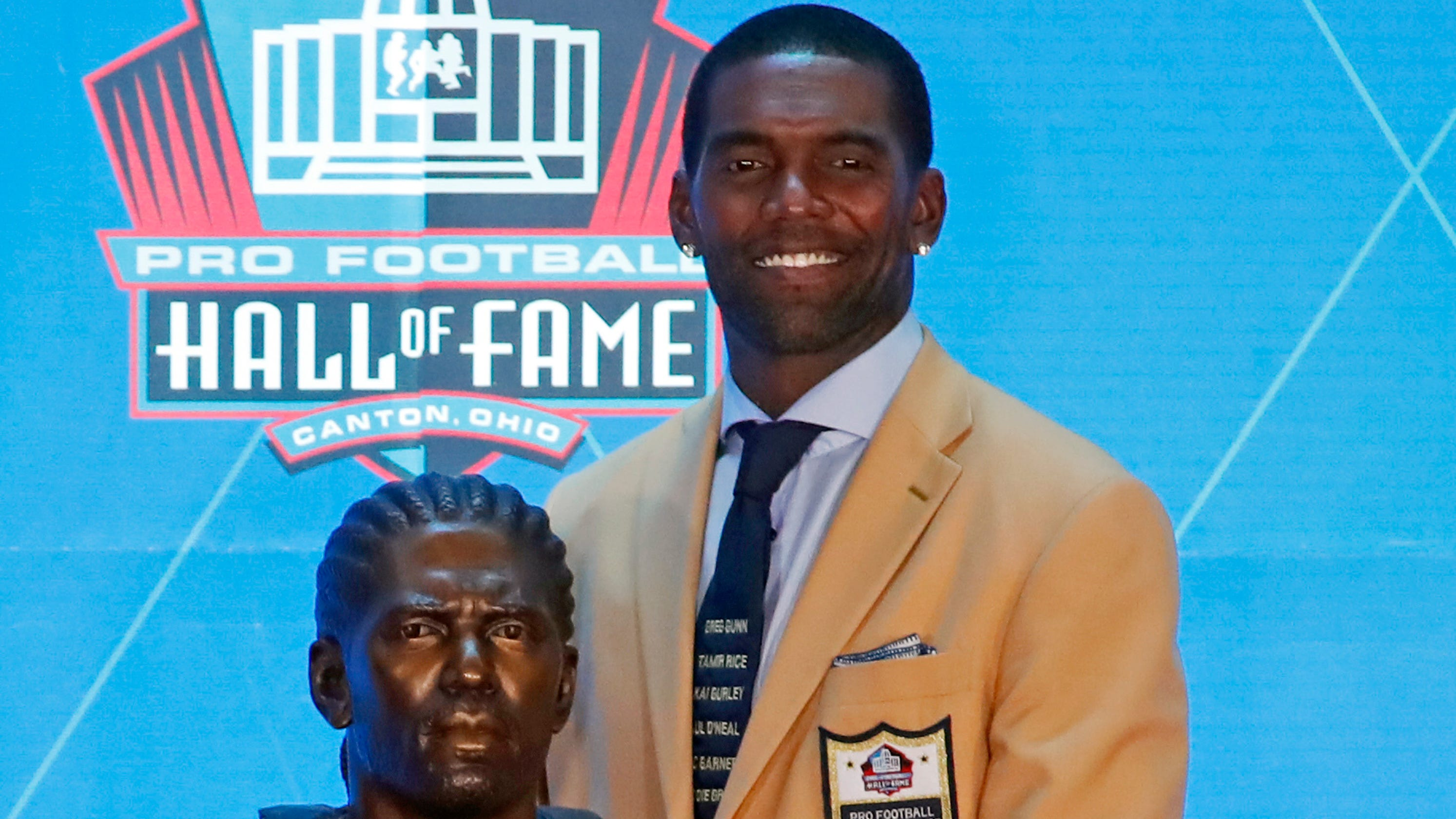 newest 5c657 108f1 Randy Moss describes hate mail after wearing controversial ...