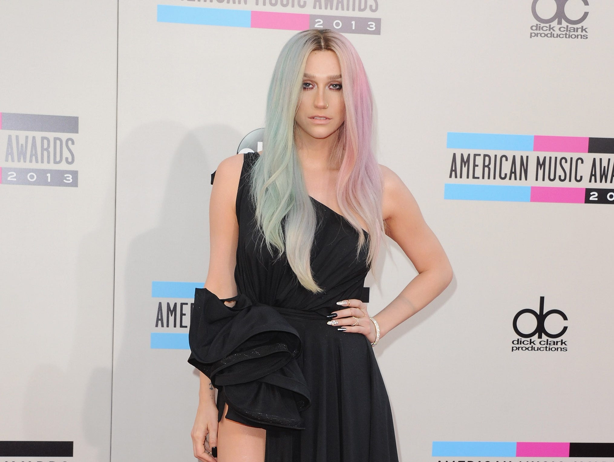 Kesha arrives at the 2013 American Music Awards on November 24, 2013 in Los Angeles, California.